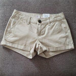 "SO shortie lowrise khaki 2.5"" inseam cuffed shorts"
